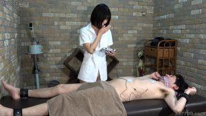 CFNM・着衣の女とチンポを見られてしまう裸の男 ネネ 2