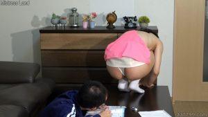 CFNM・着衣の女とチンポを見られてしまう裸の男 ネネ 4